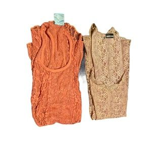 2 lace tank tops / layers